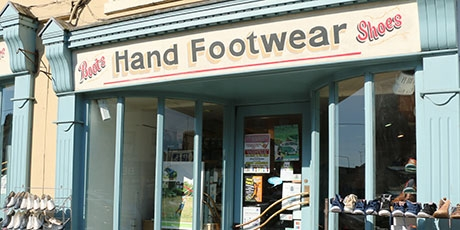 Hands-footwear--lorna